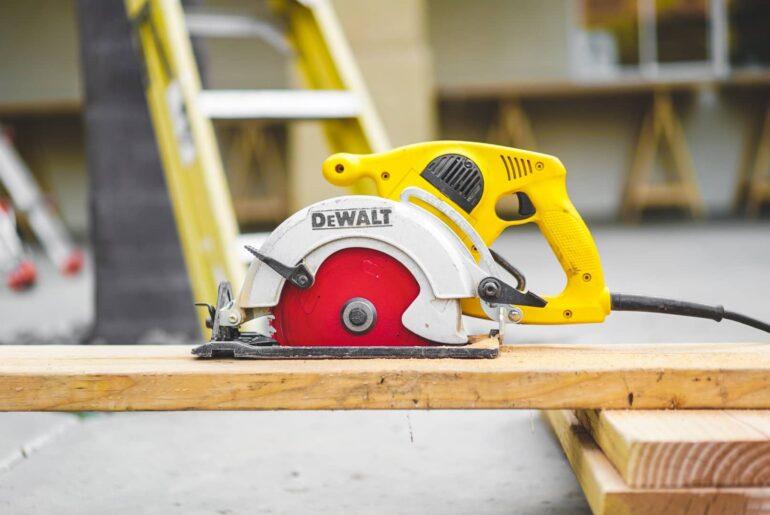 how to spot fake dewalt tools